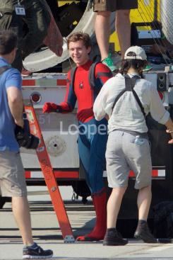 Tom Holland como Spider-Man en el set de Spider-Man: Homecoming