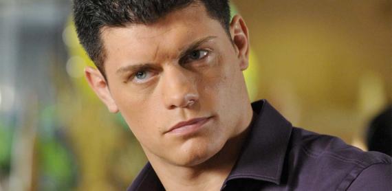 Stephen Amell anuncia que Cody Rhodes aparecerá en la quinta temporada de Arrow