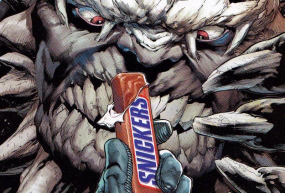 Anuncio de Snickers con Batman, Superman, Wonder Woman y Doomsday como protagonistas