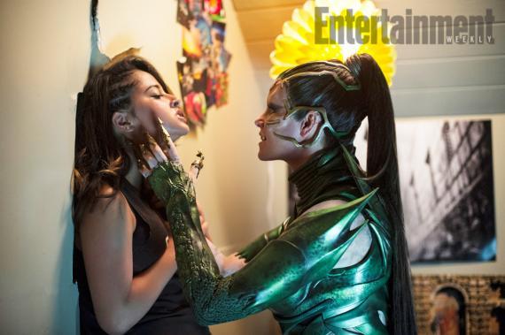 Rita Repulsa y Trini en la primera imagen oficial de Power Rangers