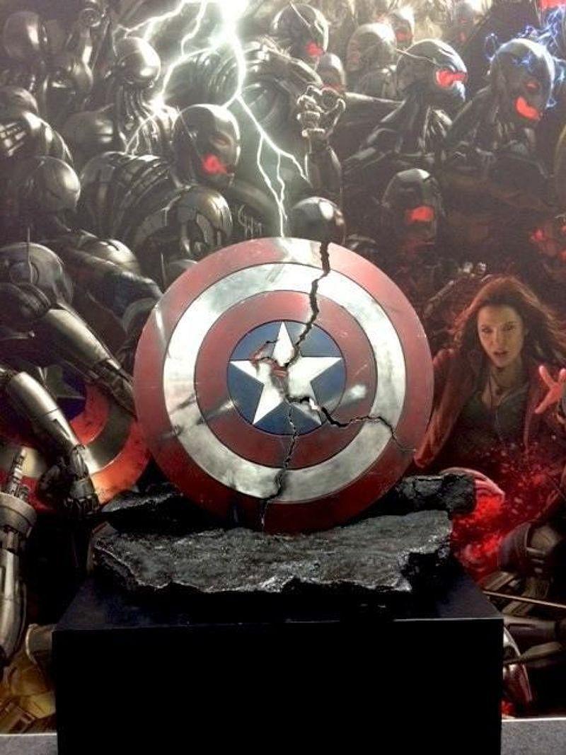 escudo capitán America Los Vengadores la era de Ultron
