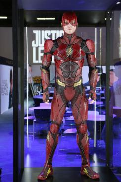 Estatuas/modelos de Flash de Justice League (2017) en la Licensing Expo 2017