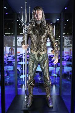 Estatuas/modelos de Aquaman de Justice League (2017) en la Licensing Expo 2017
