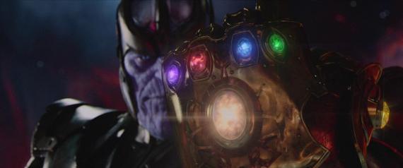 Imagen de Vengadores: La Era de Ultron / Avengers: Age of Ultron (2015), Thanos con el Guantelete Infinito
