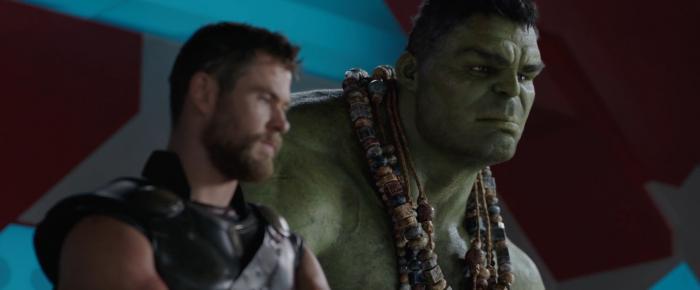Captura del segundo trailer de Thor: Ragnarok (2017), lanzado en la San Diego Comic Con 2017, Thor y Hulk