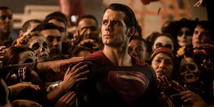 Henry Cavill es Superman en el DCEU