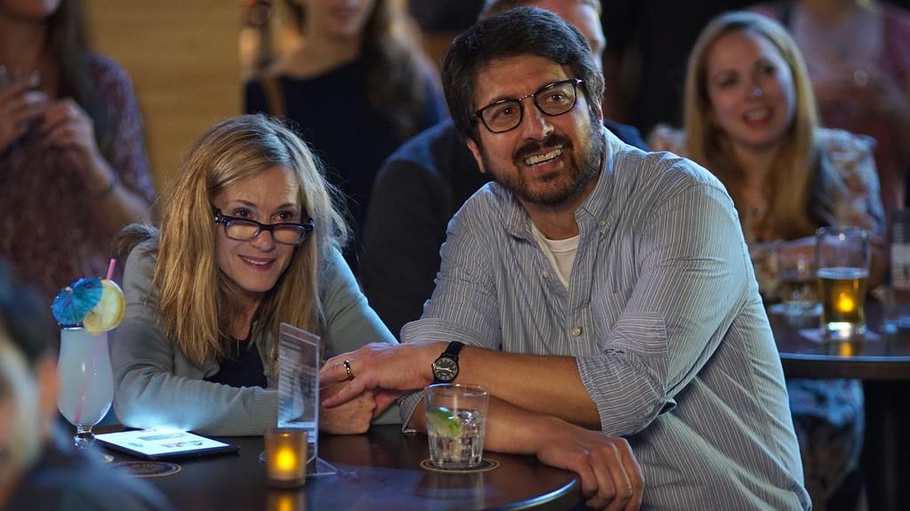 Holly Hunter y Ray Romano