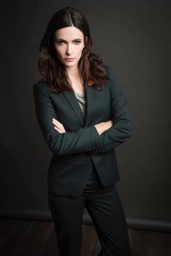 Imagen de Elizabeth Tulloch como Lois Lane en el crossover del Arrowverso
