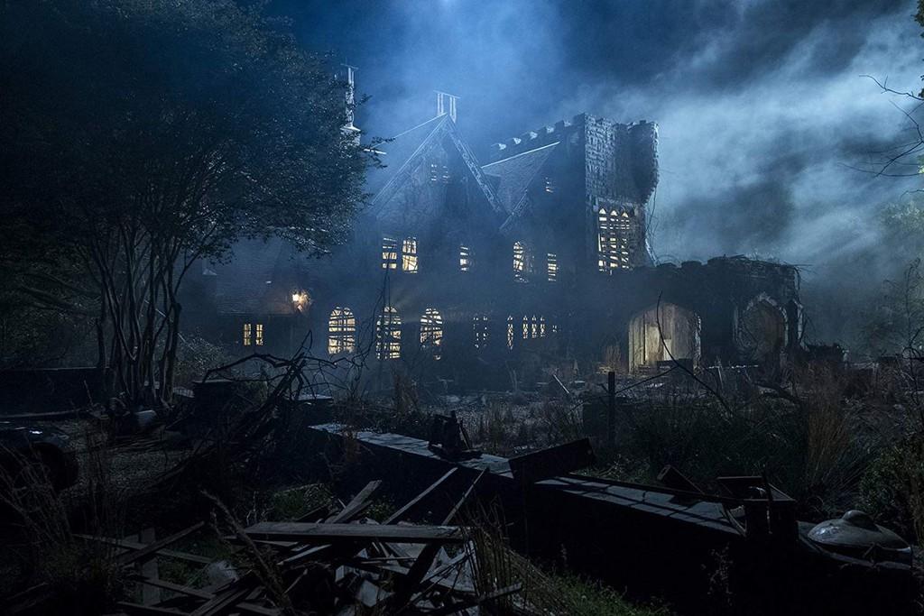 Cazamos los 29 fantasmas de 'La maldición de Hill House' que posiblemente se te escaparon