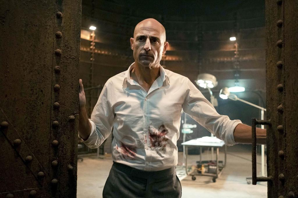 'Temple': Mark Strong protagoniza un solvente drama de receta médica inofensiva