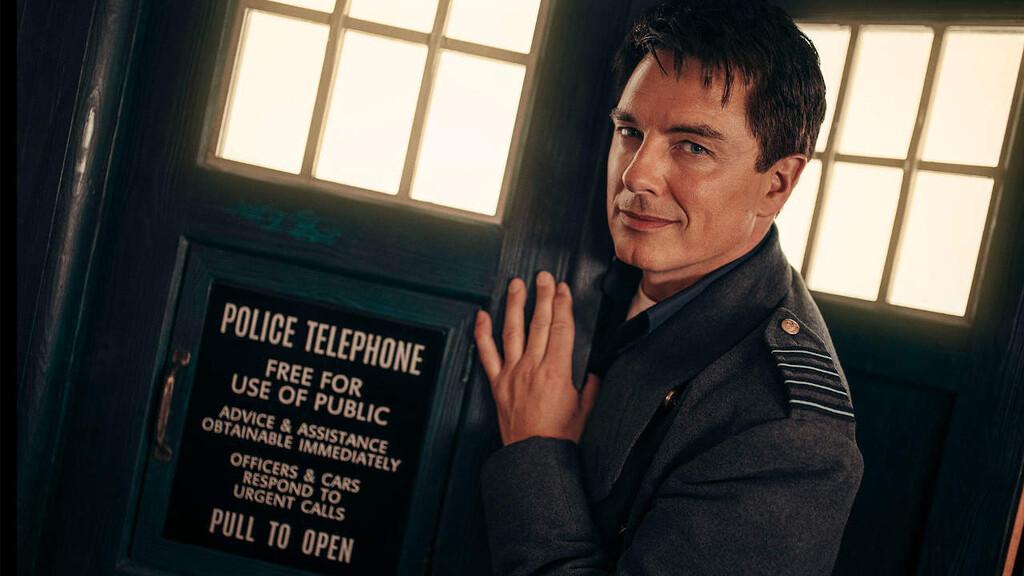 Tráiler de 'Doctor Who: Revolution of the Daleks': Jack Harkness regresa para salvar las fiestas en el especial de Año Nuevo
